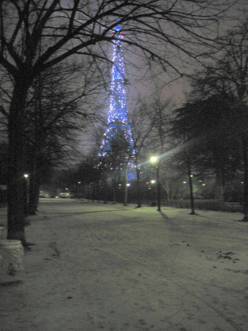 Eiffel framed in snow