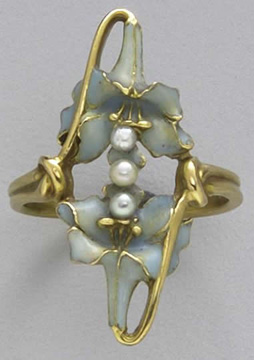 Flowers-and-pearls-ring