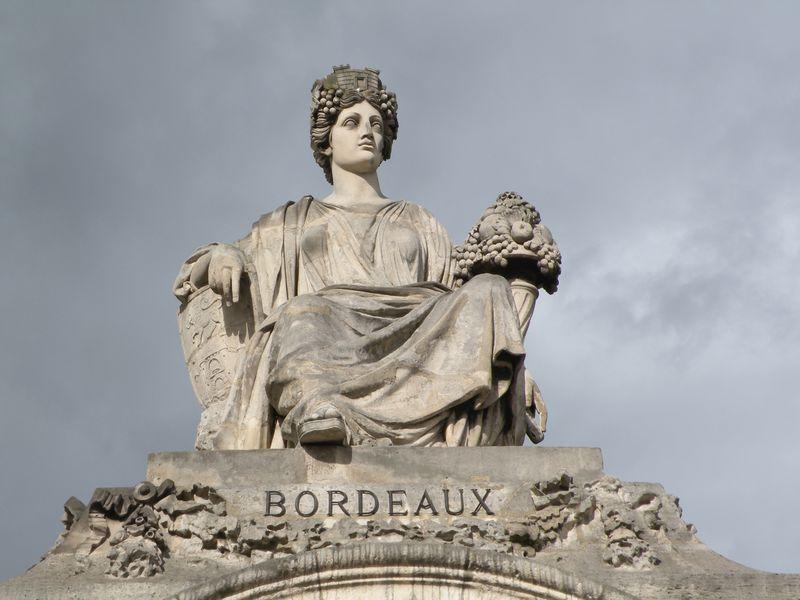 Bordeaux Statue:Place de la Concorde-2