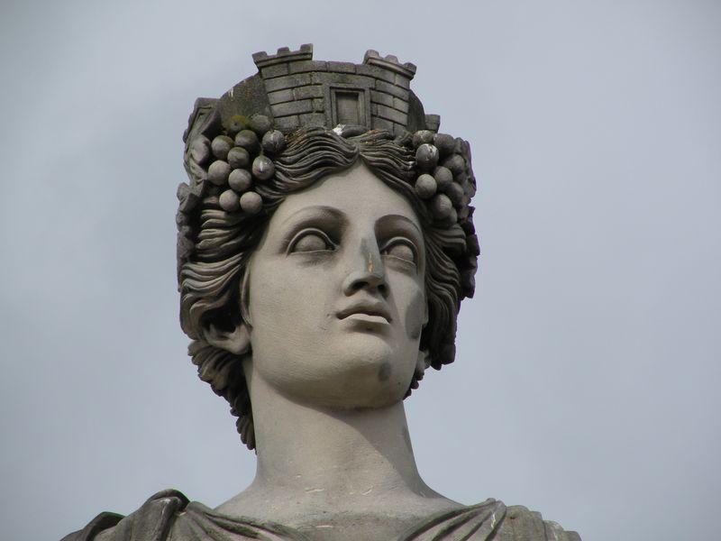 Bordeaux Statue:Place de la Concorde-1