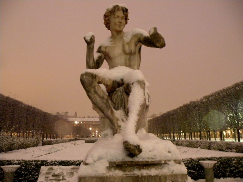 Snow covered statue Palais Royal