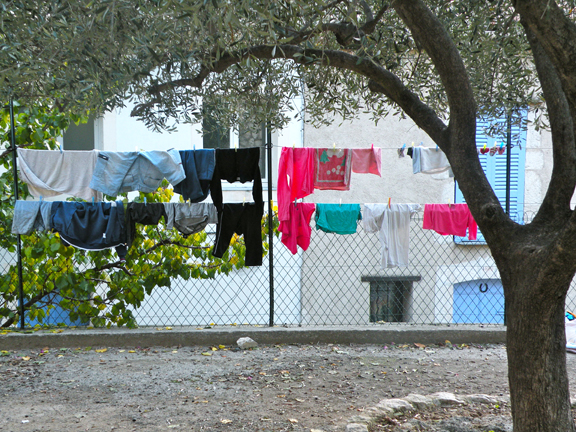 LAUNDRY MENT.-2