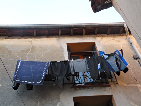 LAUNDRY MENT.-12