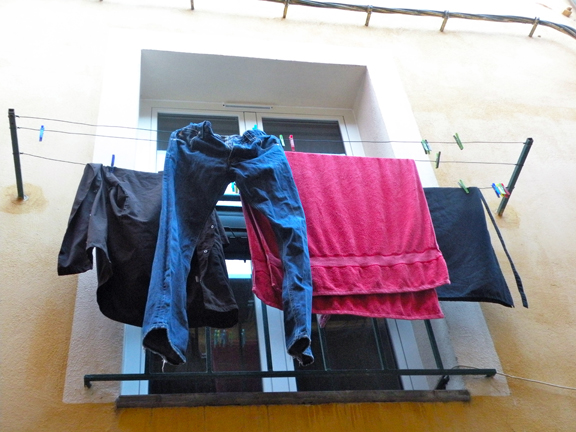 LAUNDRY MENT.-10