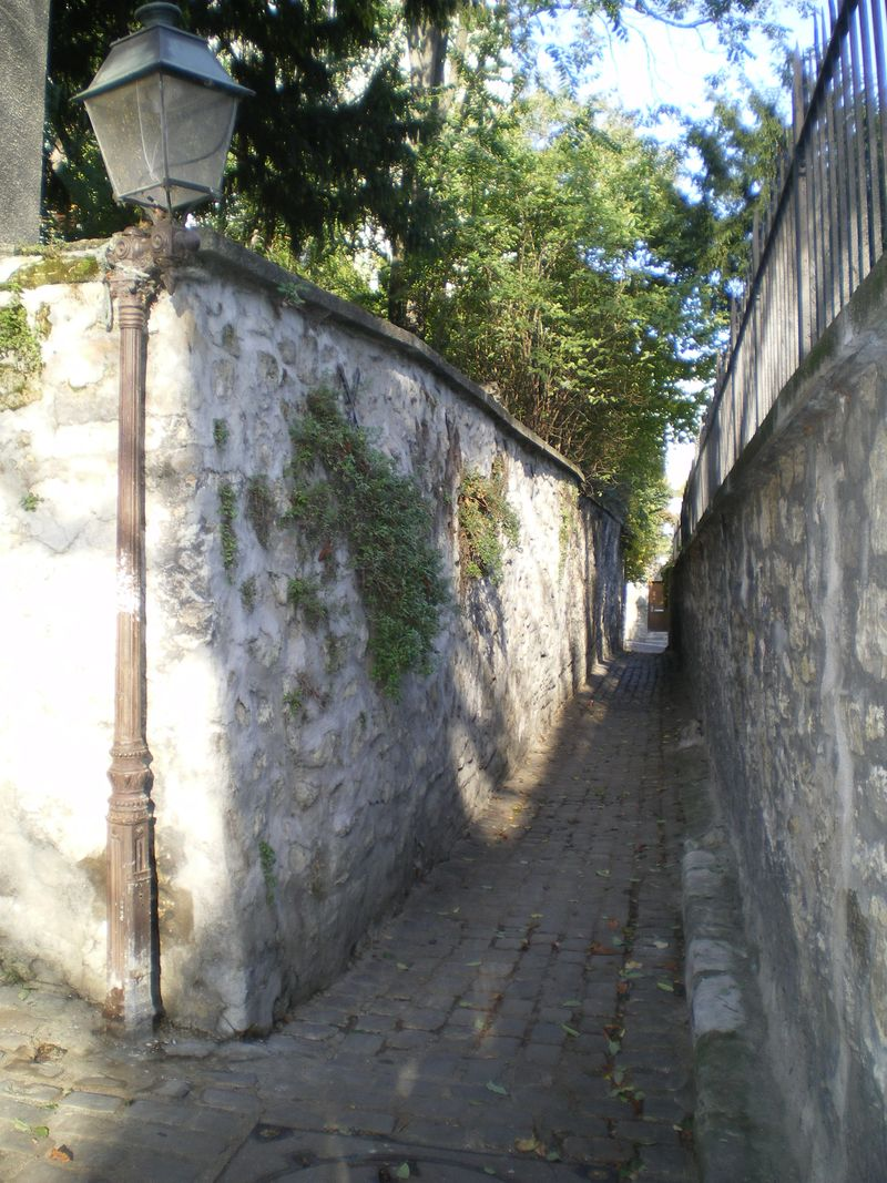 7. Rue Berton