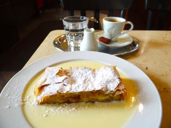 VIENNA CAFE-10