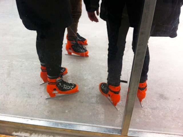 ICE SKATING-1