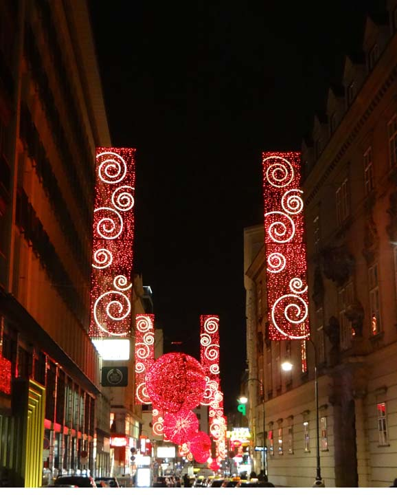 VIENNA XMAS LIGHTS-1