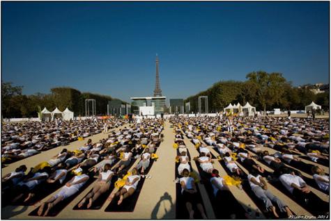 White-Yoga-Session-Paris2