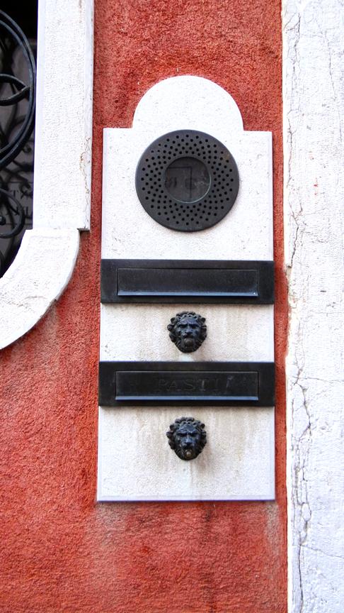 VENICE DOORBELL-23